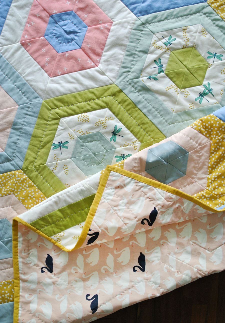 Quilt Patterns Using Stripe Fabric : Hexie Stripe Quilt Pattern - Suzy Quilts