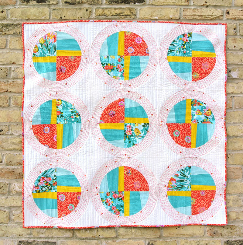 Propeller quilt design can be made using the Modern Fans quilt pattern. | Suzy Quilts https://suzyquilts.com/modern-fans-quilt-pattern-video-tutorial-included