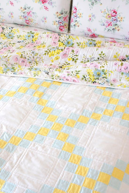 Double-Irish-Chain-Pastel-Quilt