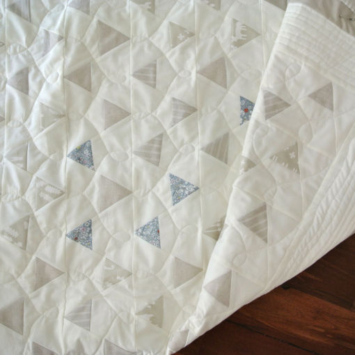 Neutral-triangle-quilt-pattern
