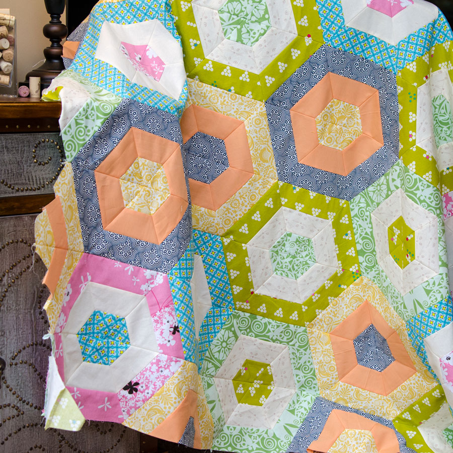 Colorful-Hexie-Stripe-Quilt