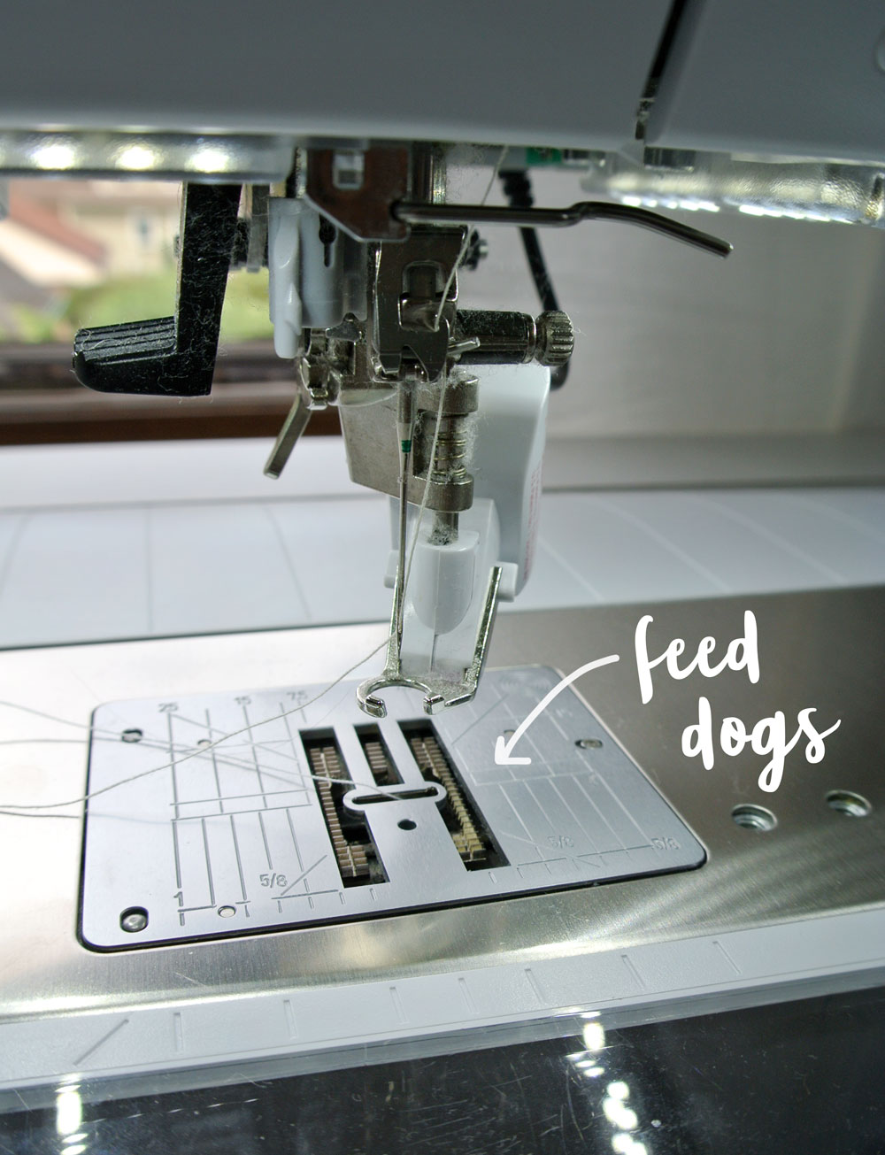 Feed-Dogs-Sewing-Machine