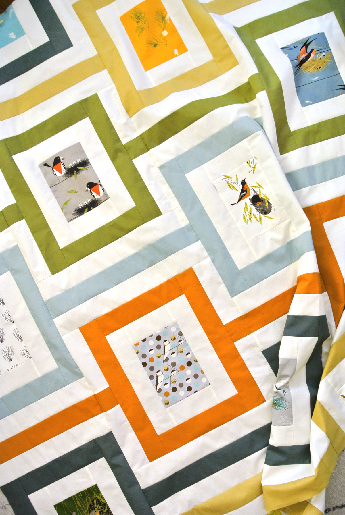 Free Quilt Pattern Download Cincinnati Quilt with Charley Harper Birds Fabric Design | Suzy Quilts https://suzyquilts.com/free-cincinnati-quilt-pattern/