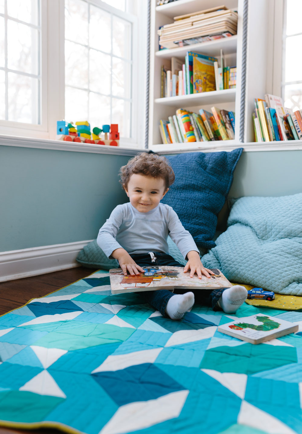 blue-ombre-boy-quilt