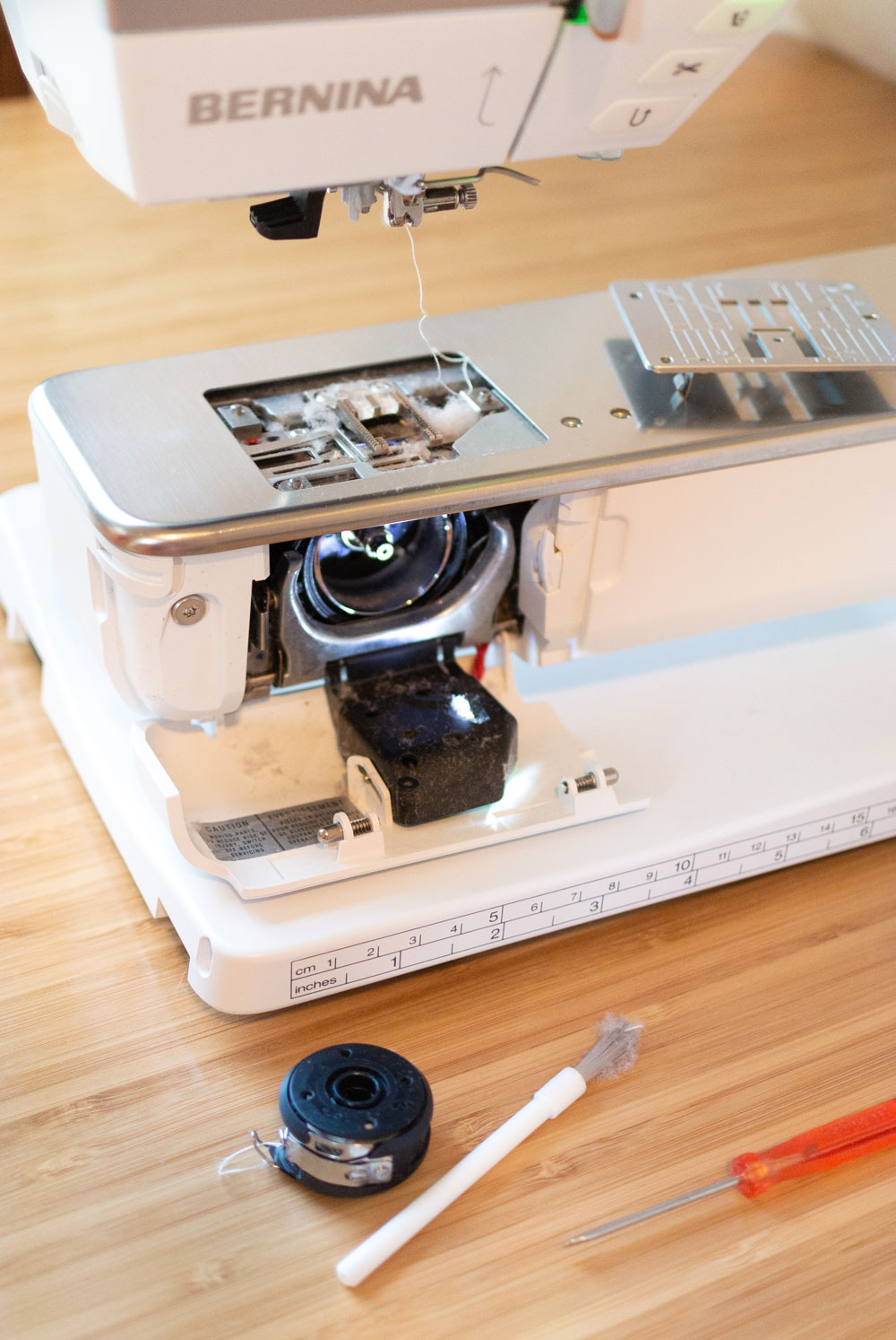 A step by step tutorial on how to clean your sewing machine – you should be doing it more than you think! | Suzy Quilts https://suzyquilts.com/sewing-machine-maintenance