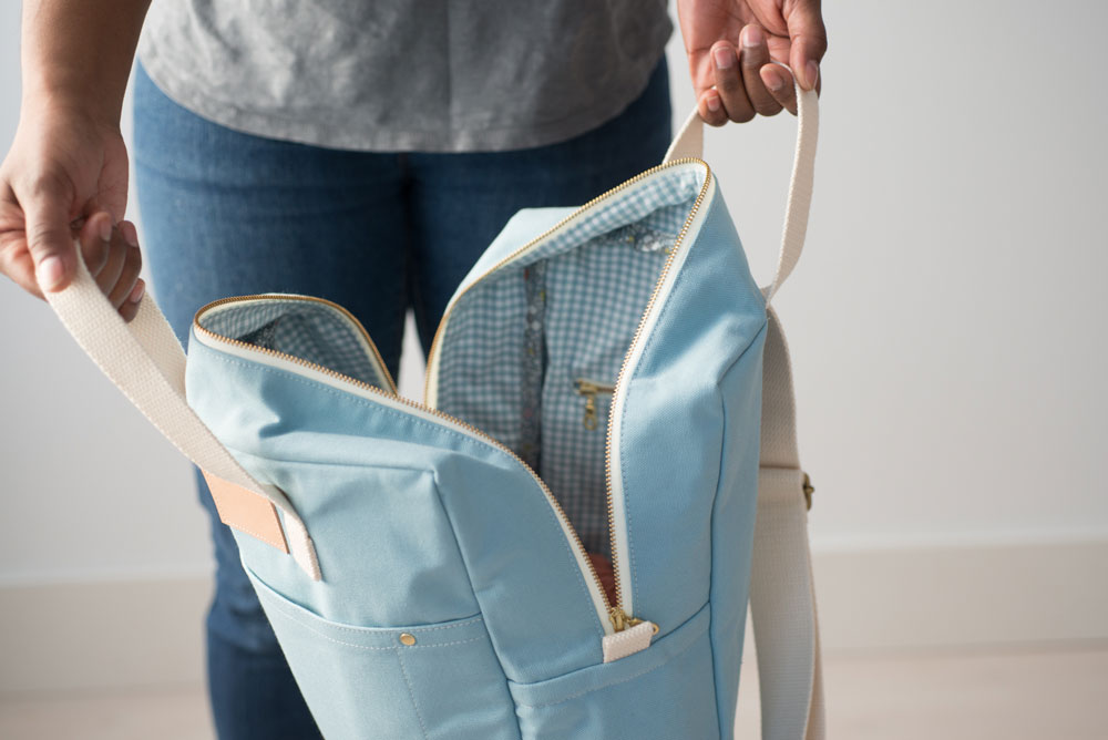 Meet the Maker blog series: Anna Gaham of Noodlehead creates simple, elegant, easy to follow bag patterns. Follow this blog series to learn about more pattern writers and artists in the sewing industry.