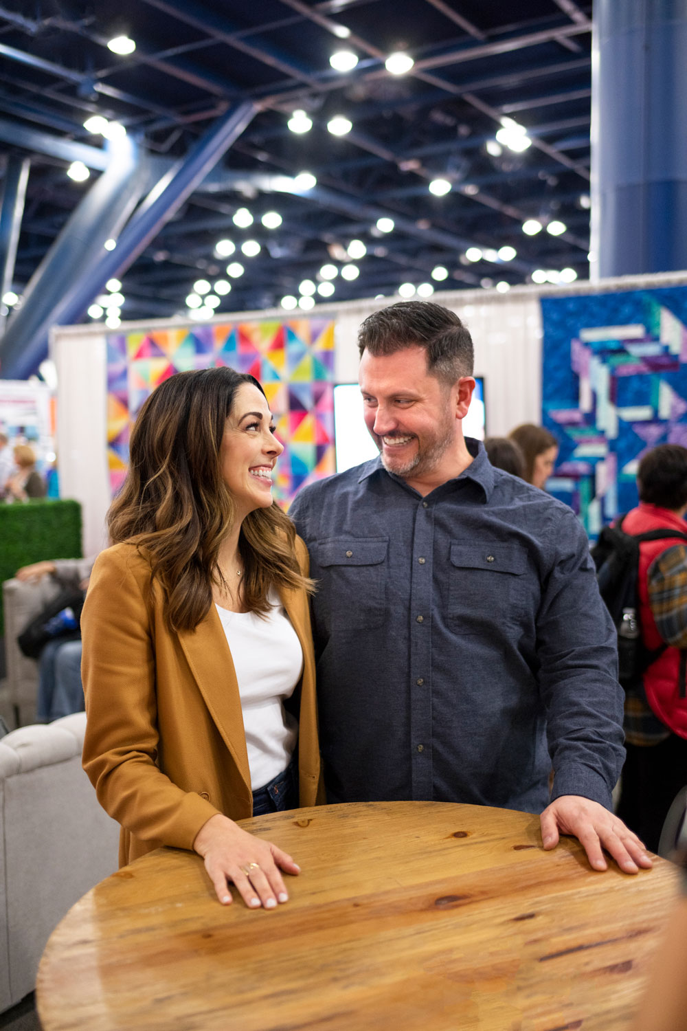 Get the inside scoop on the Houston Quilt Festival through interviews with leaders, crafters and teachers in our quilting community. In this episode I chat with Mister Domestic | suzyquilts.com