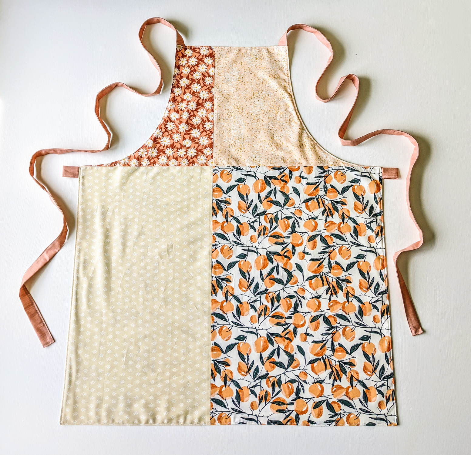 This modern patchwork apron tutorial is a fun, quick project for any sewing skill level!