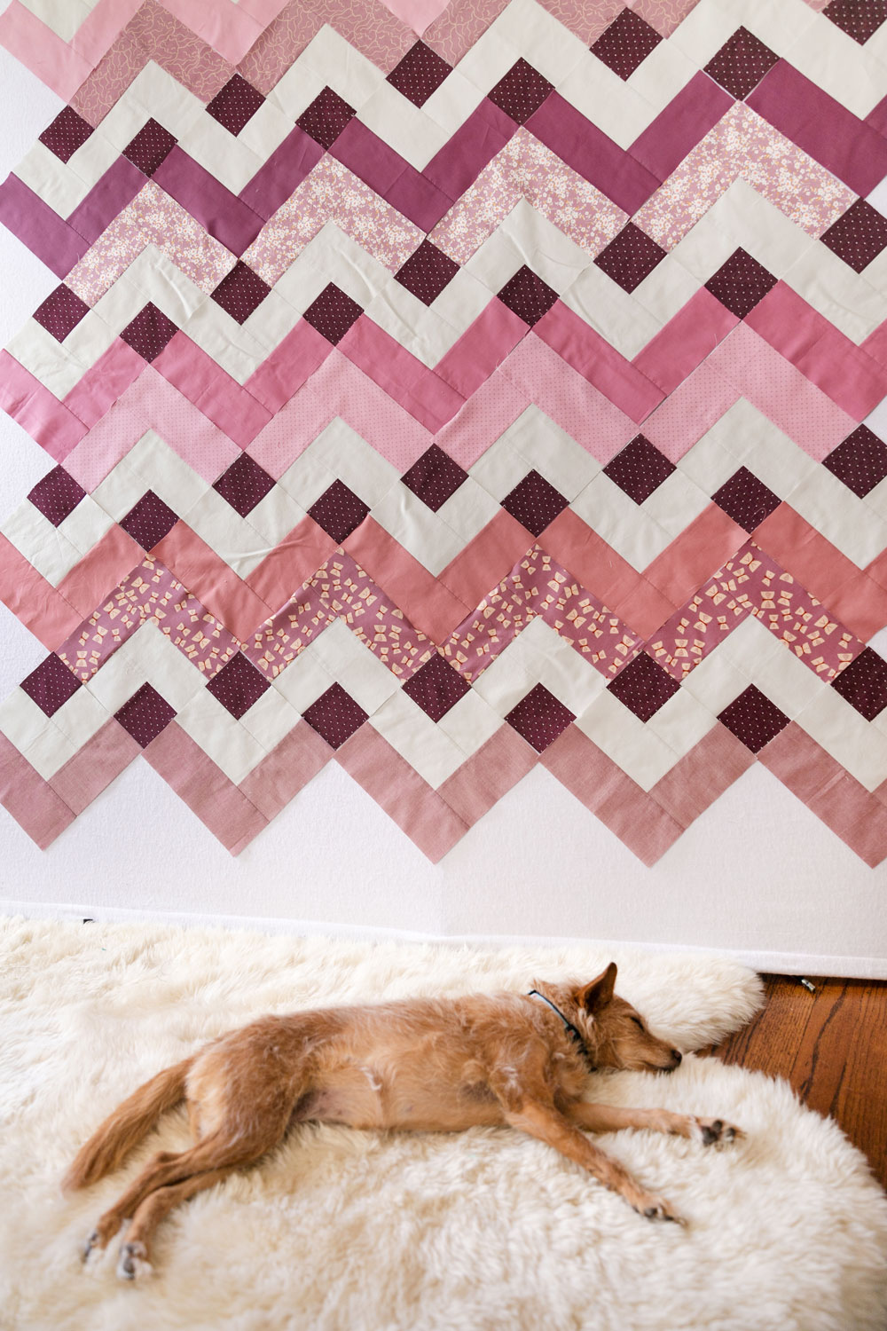 This week in the Thrive sew along we are sewing our blocks into rows. So there's no confusion, I have a video tutorial with directions and tips! suzyquilts.com #quilting #quiltpattern