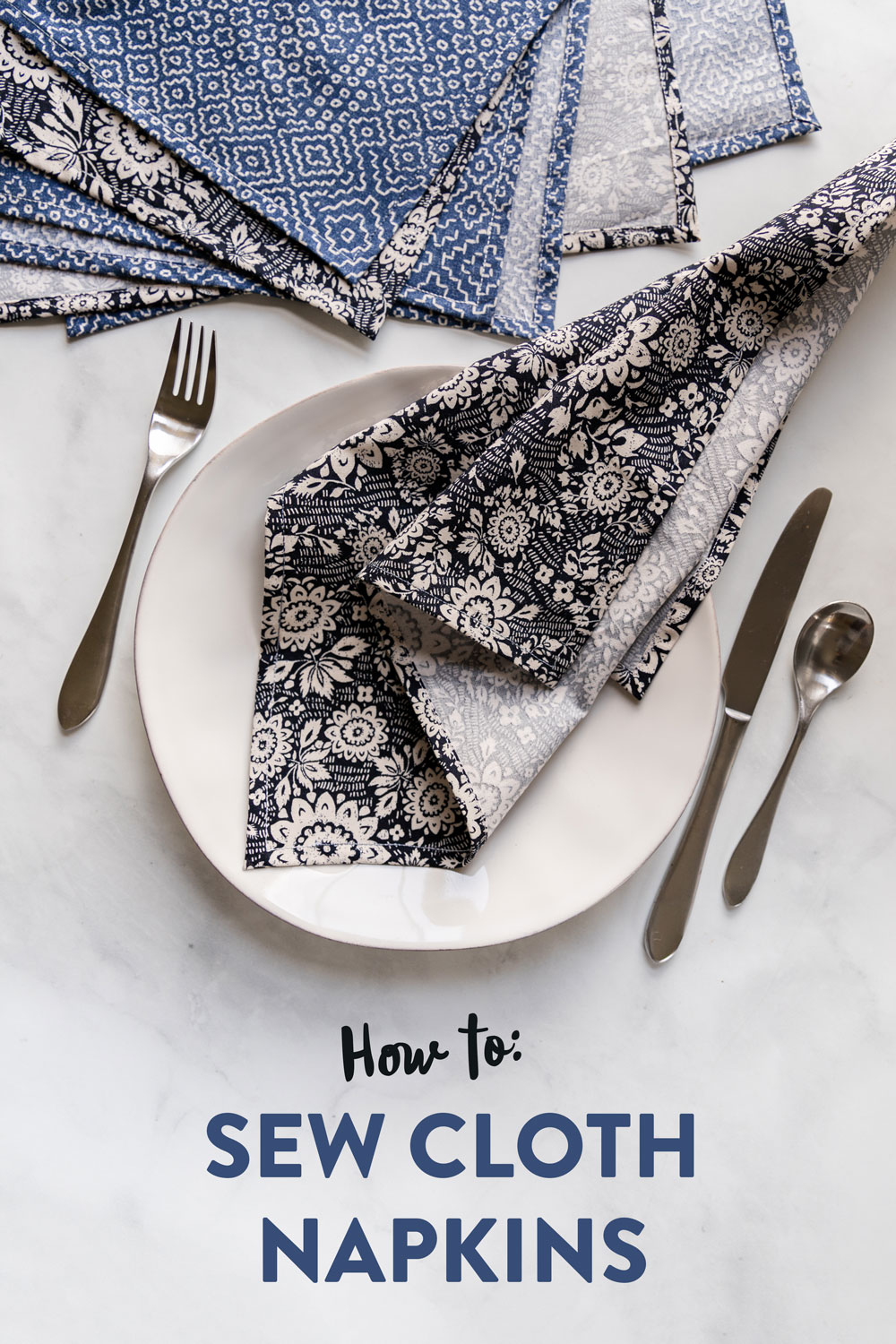 Learn how to sew a napkin in this beginner-friendly DIY cloth napkins tutorial. This fat quarter friendly sewing tutorial is incredibly fast and easy! suzyquilts.com #napkinstutorial #diysewing