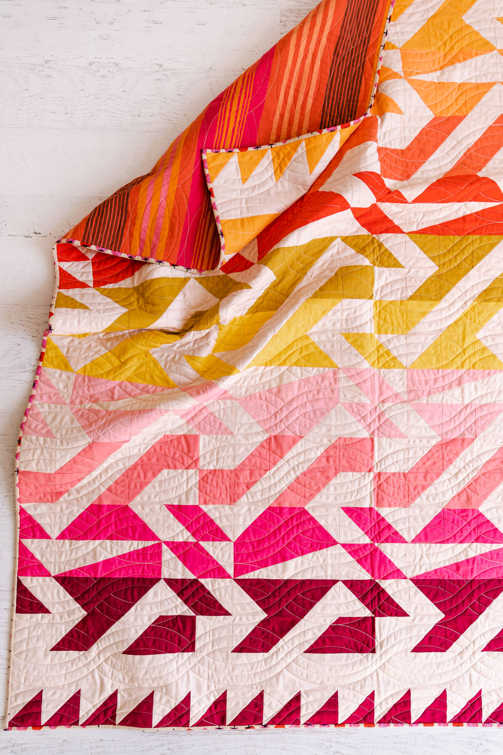 The Voyage quilt pattern is fat quarter friendly and a great quilt pattern for beginners – includes lots of extra video tutorials.